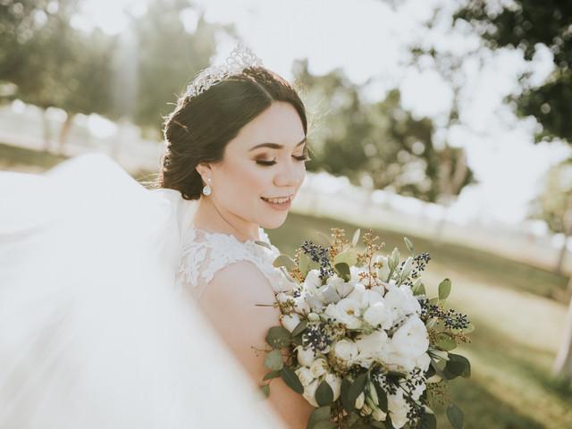 ¿Cuándo comprar cada elemento de tu look de novia?