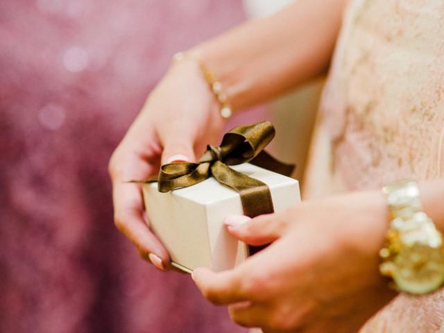 8 consejos para sugerir a los invitados que su regalo sea en efectivo