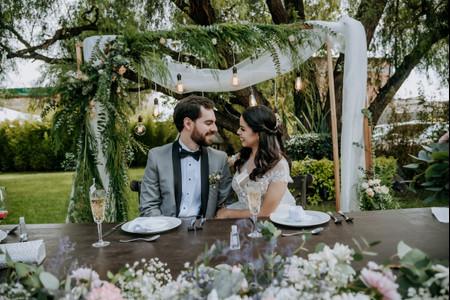 8 ideas inspiradoras para decorar el 'back' de la mesa de novios