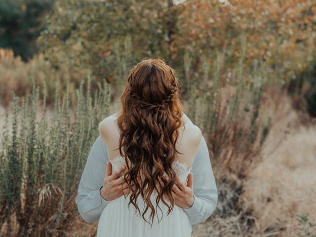 ¿Cómo elegir el color de cabello perfecto para tu boda?