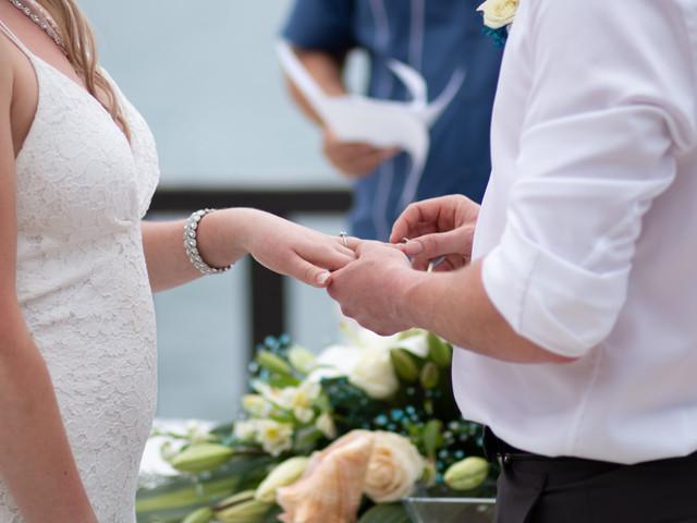 ¿Se entregan anillos de matrimonio en la boda civil?