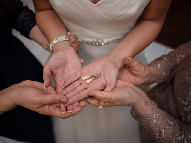Joyas familiares en el look nupcial, ¿las lucirán el día de su boda?