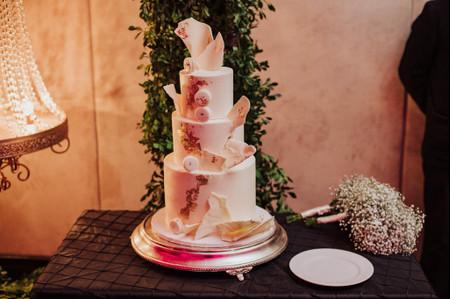 10 tendencias en pasteles de boda 2021 que estarán en boca de todos