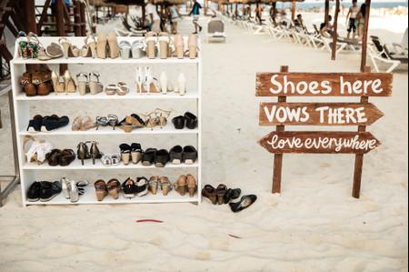 'Shoe valet', el nuevo imprescindible de las bodas en la playa