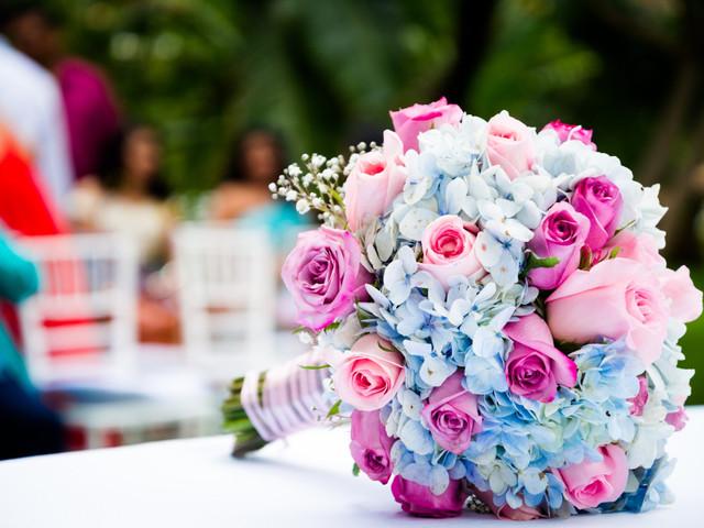 12 flores muy apropiadas para los ramos de novia de verano