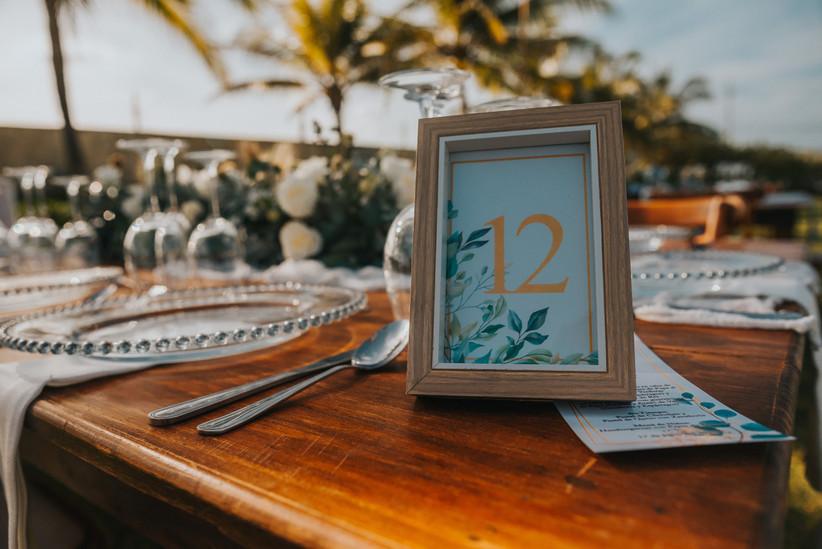 marcador de mesa de madera para boda