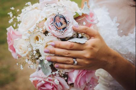 Camafeos para ramo de novia, ¡tus seres queridos siempre contigo!