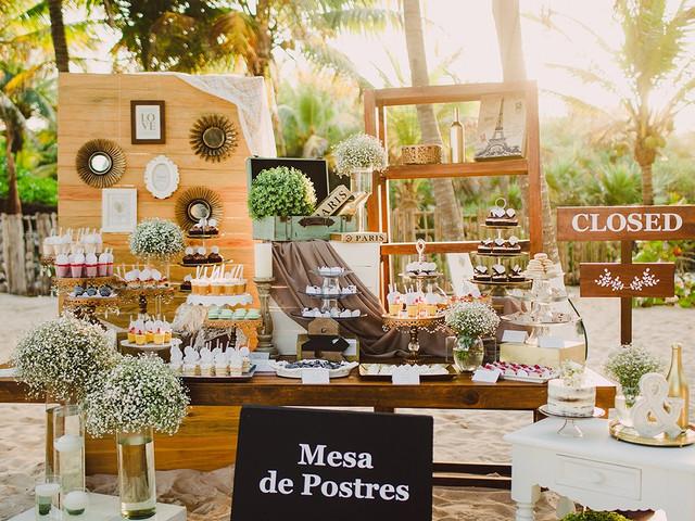 ¿Cómo decorar una mesa de dulces para boda? ¡7 ideas para lograrlo!