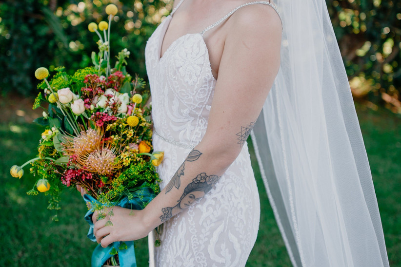 ramo de novia con flores otoñales