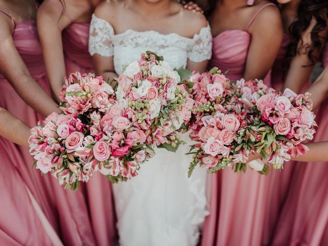 70 accesorios rosas para novias: ¿cuál será tu algo 'pink'?