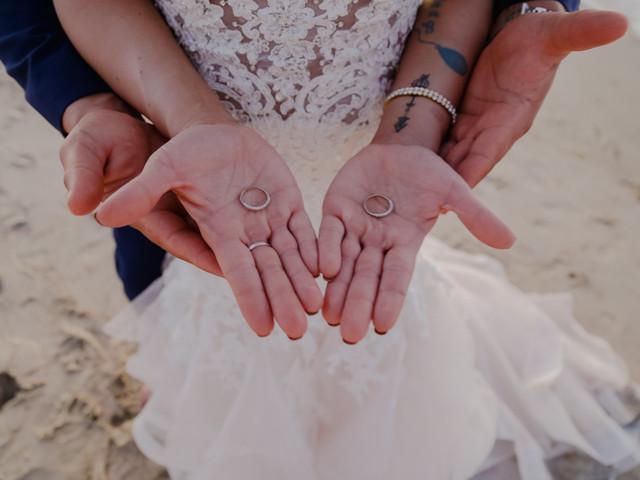¿Quién entregará las alianzas de boda? 7 ideas para cada estilo de ceremonia