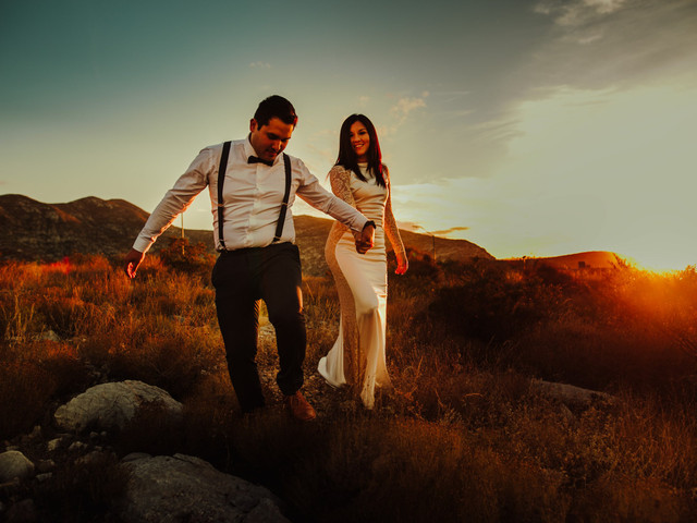 45 fotos de boda al atardecer: tips para aprovechar la hora dorada