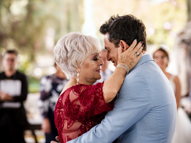 15 canciones para el baile del novio con su mamá, ¡se vale emocionarse!