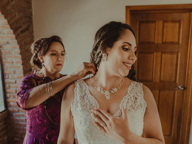 Joyas para novias según el tipo de escote, ¿cuáles utilizar para la boda?