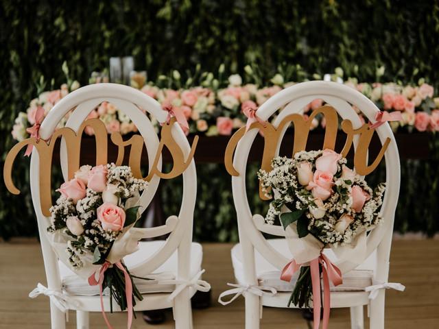 Las sillas de los novios, ¡elijan las adecuadas para la ceremonia y recepción!