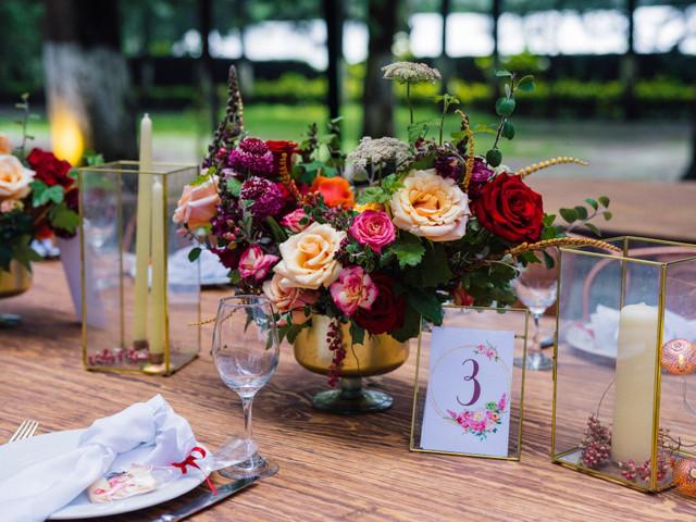 Arreglos de mesa para boda: 7 elementos top para decorarlos