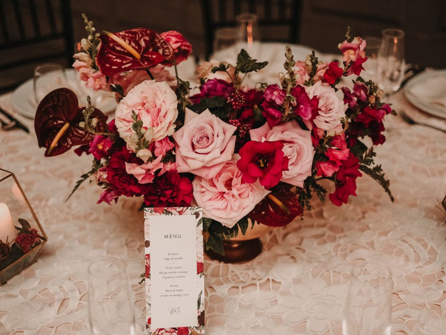 6 puntos clave para elegir los centros de mesa para boda