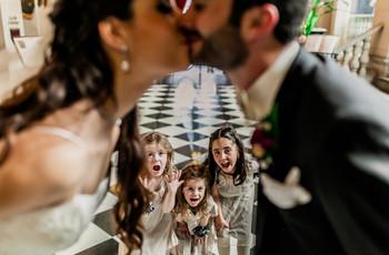 Diversión y ternura: las mejores fotografías de los niños en las bodas