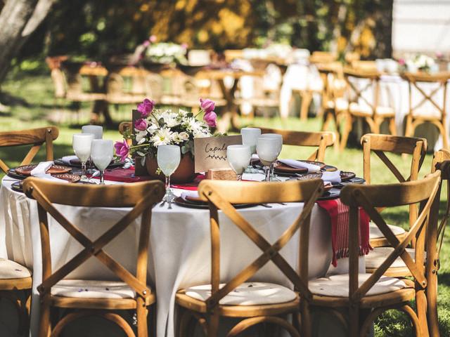 Organizar las mesas del banquete para garantizar la sana distancia
