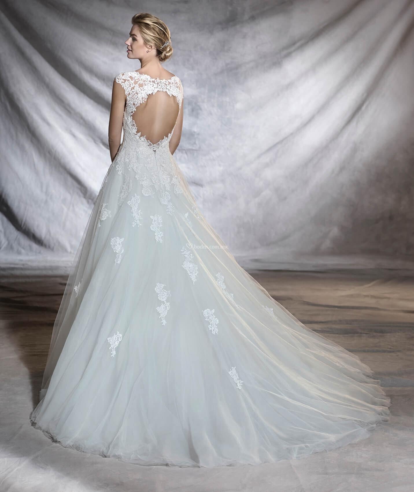 Vestido de Novia de Pronovias - OLEGARIA