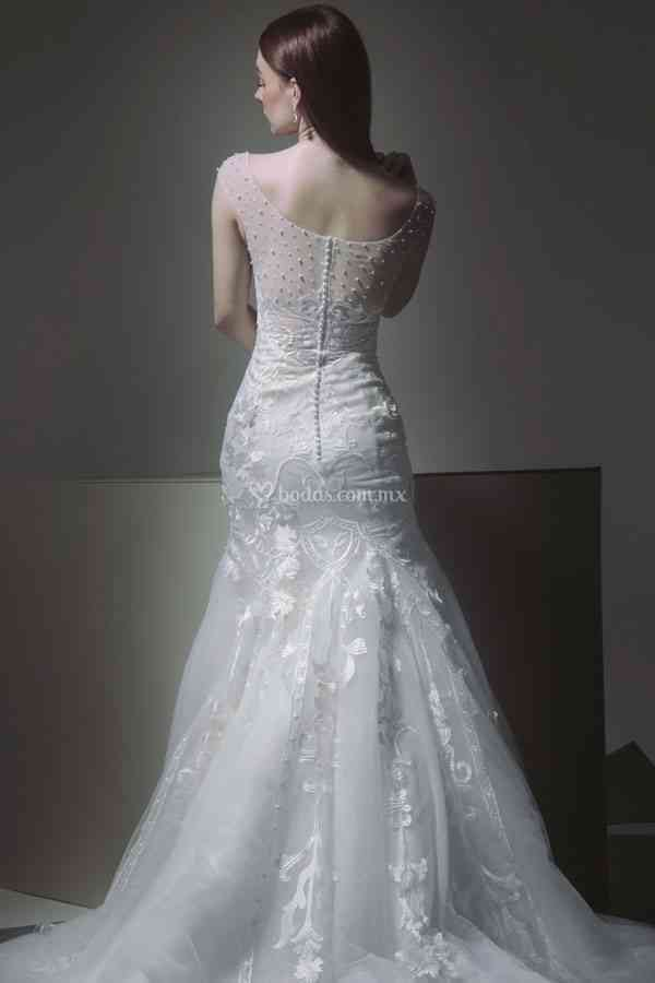 10, Tiscareno Bridal Couture