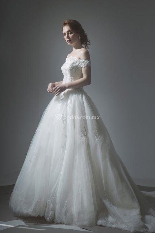 19, Tiscareno Bridal Couture