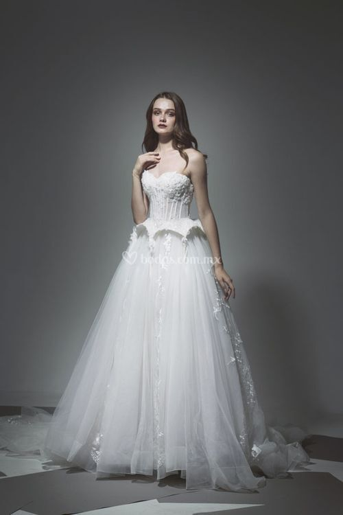 14, Tiscareno Bridal Couture