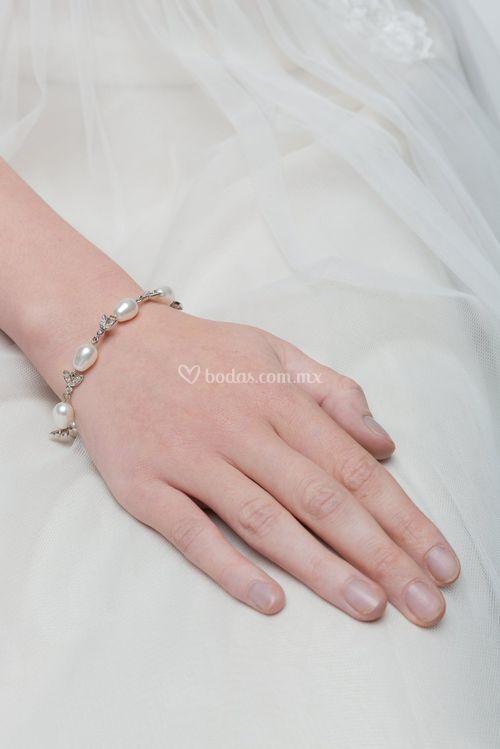 Silk Pearl, Stephanie Browne