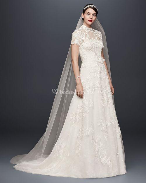 8001047, David's Bridal: Oleg Cassini
