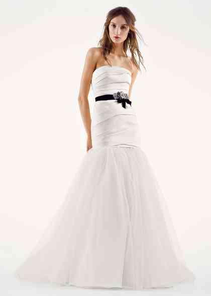 8000511, David's Bridal: White By Vera Wang