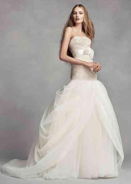 8000723, David's Bridal: White By Vera Wang