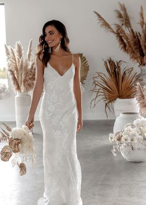 loyola, Grace Loves Lace