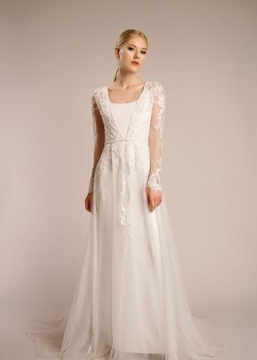 VICTORIA GOWN & CAPE 71186, Lotus Threads