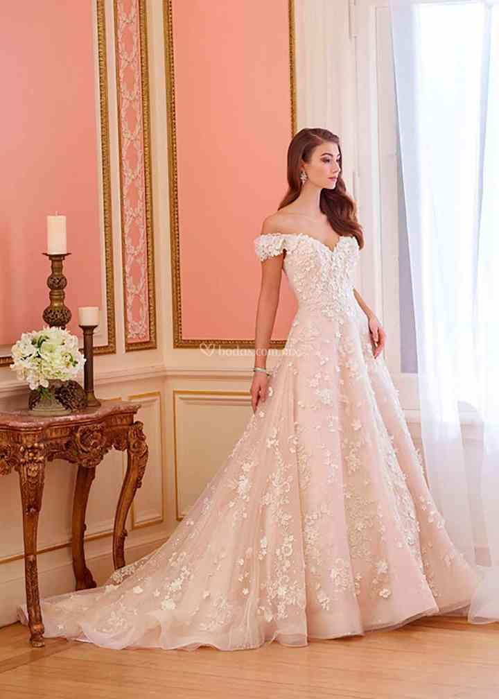 217230, Mon Cheri Bridals
