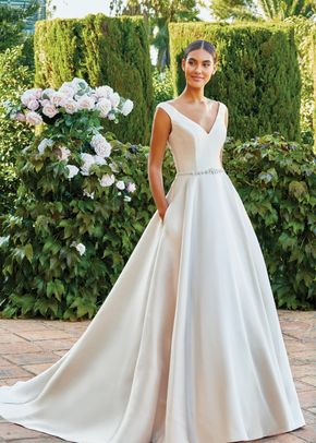 44220, Sincerity Bridal
