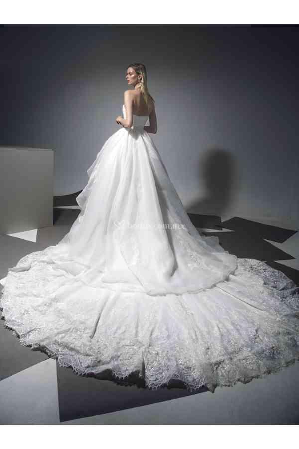 11, Tiscareno Bridal Couture