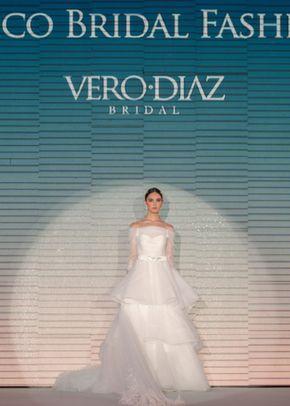 v 007, Vero Diaz