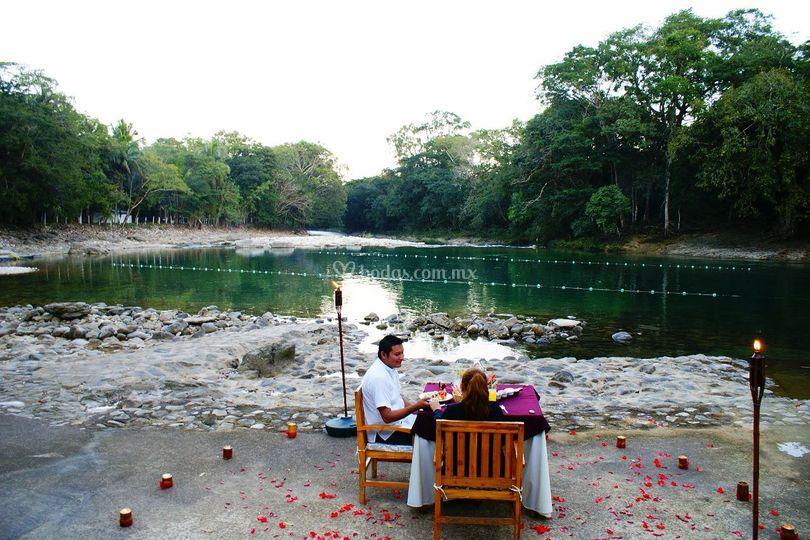 Cena romántica en palenque