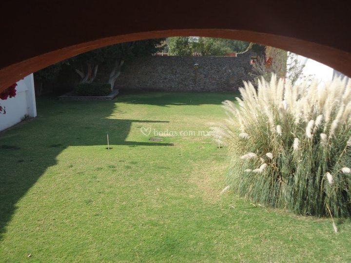 Jardín claustro grande
