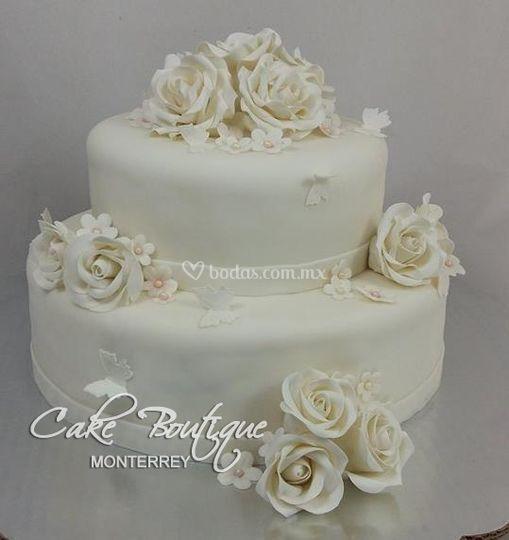 Pastel rosas blancas