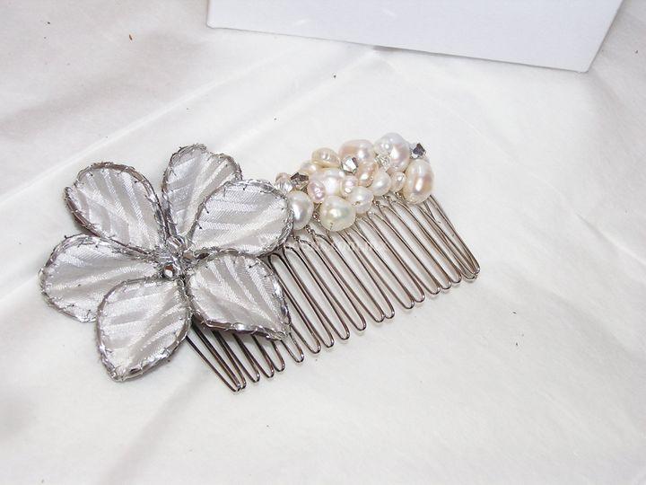 Flor y perlas