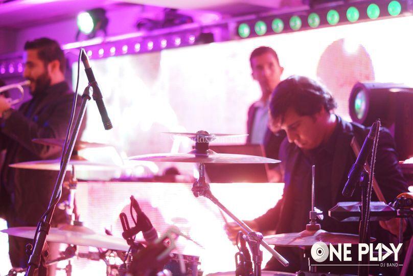DJ y baterista, un solo ritmo