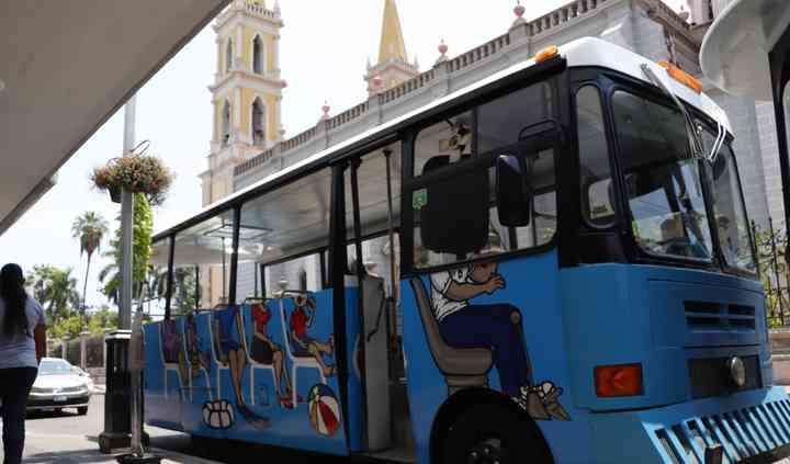 La guagua bus tour