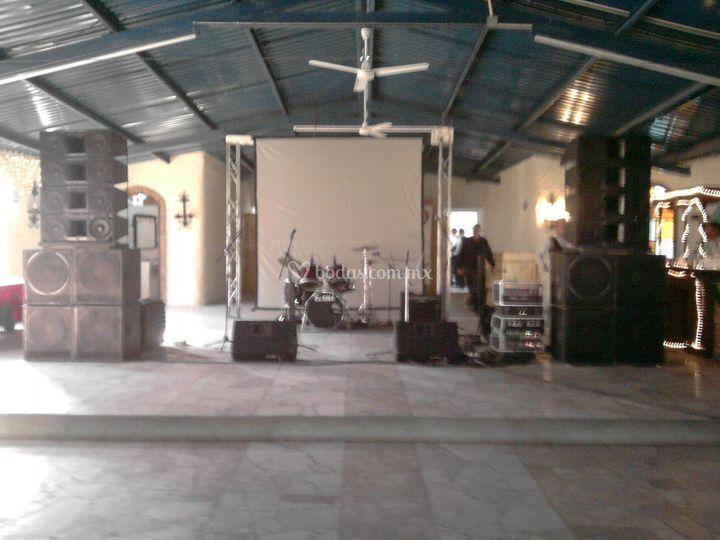 Sonorizar agrupación evento