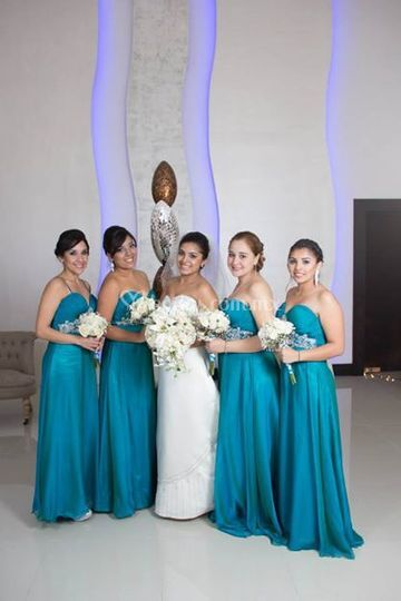 Novia con sus damas de honor