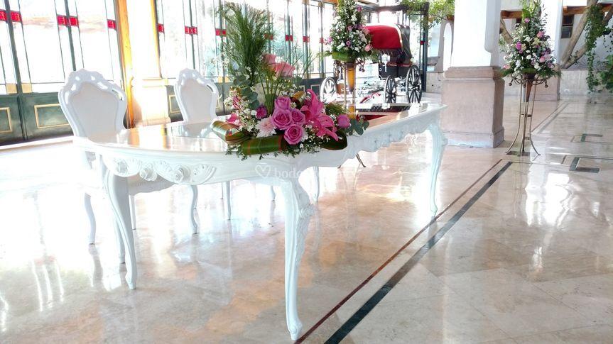 Mesa de novios flor