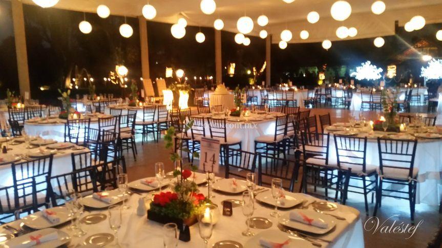 Bodas con mesas iluminadas