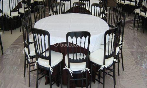 Mesas, sillas...