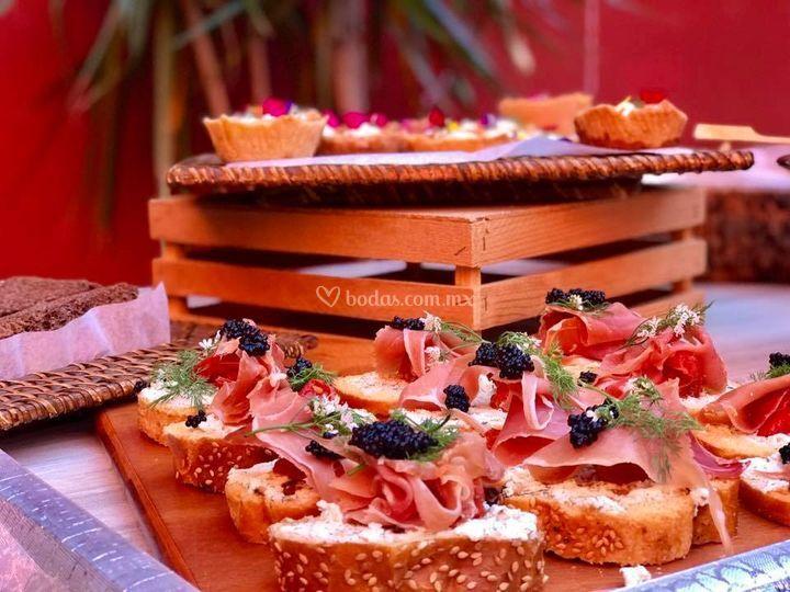 Tapas de carnes frias/caviar