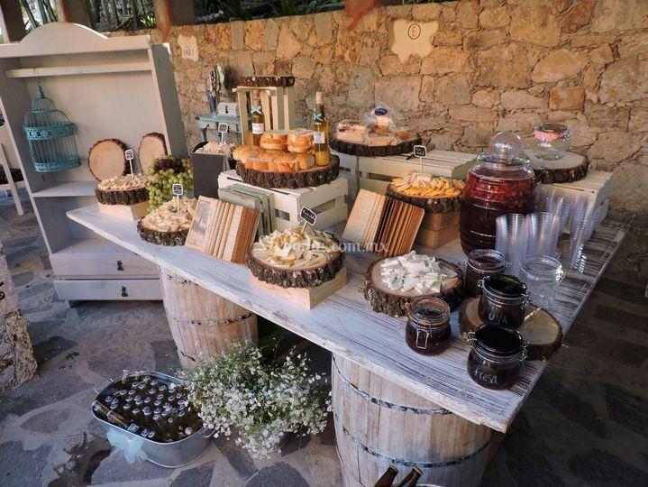Mobiliario vintage milenio - Mesa de quesos para bodas ...